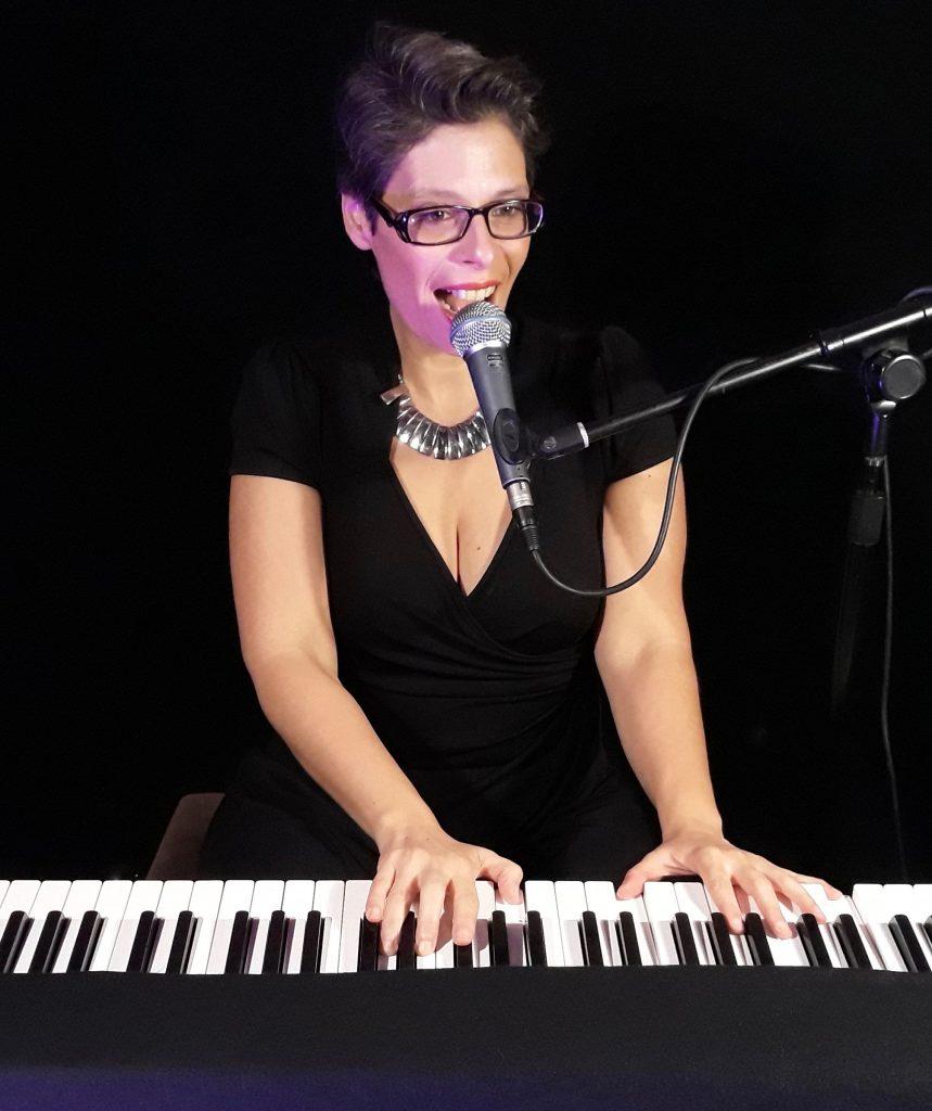Marina Graf - chanteuse