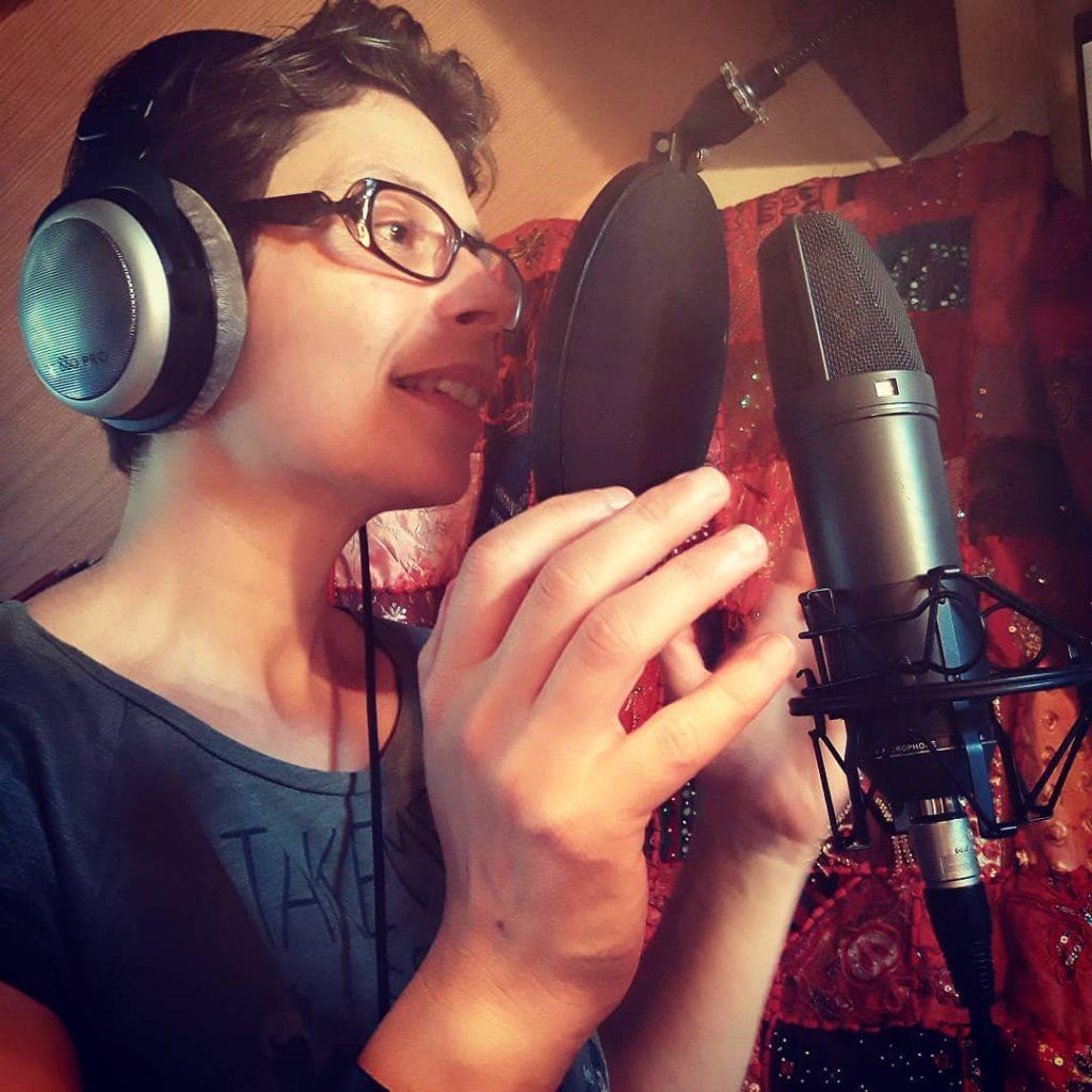 enregistrement voix off studio narratrice livre audio marina graf home studio